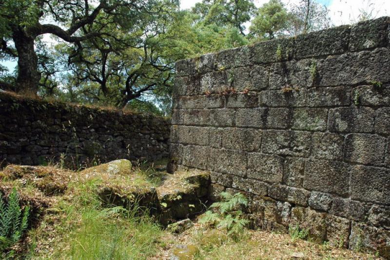 Ruínas do Castelo de Faria